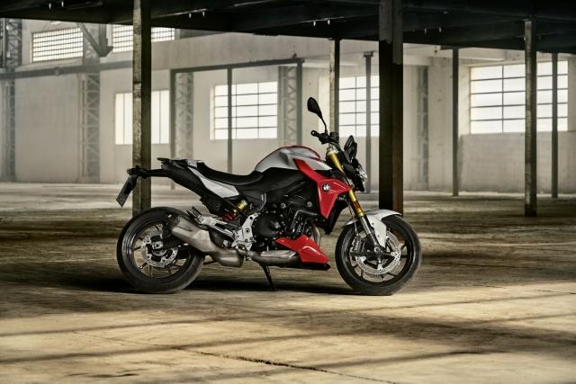 találkozik az online motorkerékpár de